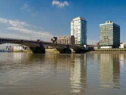 020310 Derwent London Riverwalk 033