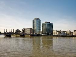 020310 Derwent London Riverwalk 054
