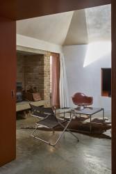 160806 Henning Stummel Tin House 240